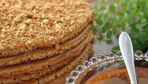 Медена торта