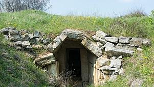 Гробницата в Елафохори